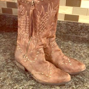 Brown cowboy boots!